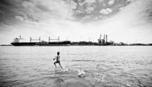 fot. Maciej Chyra - chodzący po wodzie